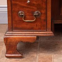 Mahogany Kneehole Desk With Brushing Slide (15 of 17)