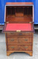 1960's Small Mahogany Ladies Bureaux with Red Leather (2 of 4)