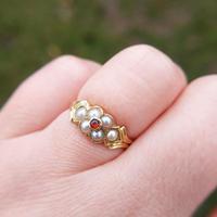 Antique 18ct Yellow Gold Garnet & Pearl Locket Ring (10 of 10)