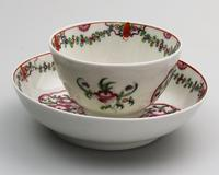 A Pair New Hall Porcelain Tea Bowls & Saucers C.18thc (5 of 8)