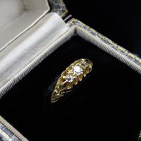 Antique Victorian Old Cut Diamond Three Stone Trilogy 18ct Gold Scroll Ring (9 of 10)