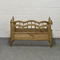 Antique Pine Cot Bed (4 of 4)