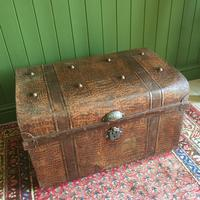 ANTIQUE Victorian Steamer TRUNK Old Tin Travel TRUNK Coffee Table Shabby Chic Metal Storage Chest (10 of 12)