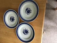 Many items of Royal Copenhagen in the Tranquebar pattern (4 of 9)