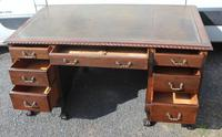 1960s Large Mahogany Pedestal Desk with Brown Leather on Top (2 of 4)
