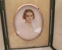 Miniature Portrait Edwardian Young Lady c.1910 Hand Painted with Travel Case (5 of 7)