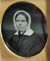 Antique Victorian Daguerreotype, Lady in a Bonnet - Cased (6 of 8)