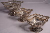 Beautiful Set of Three Matching Victorian Silver Dishes by Charles Stuart Harris, London 1899 & 1900 (2 of 13)