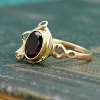 The Vintage Serpent & Garnet Ring (4 of 6)