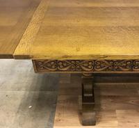 Extending Oak  Dining Table (4 of 9)