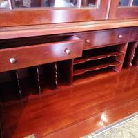 Victorian Mahogany Glazed Bookcase / Bureau with pigeon holes (9 of 14)