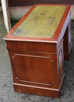1960's Pedestal Desk with Green Leather Inset (4 of 4)