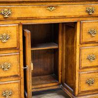 Oak Knee-hole Desk (7 of 9)