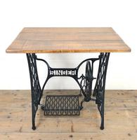 Singer Sewing Machine Treadle Table (2 of 10)