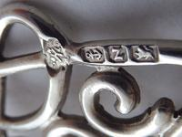 Victorian 1899 Hallmarked Solid Silver Nurses Belt Buckle William Hutton (6 of 8)