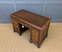 Good Carved Oak Pedestal Desk (16 of 18)