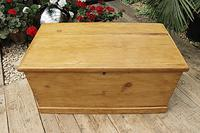 Lovely Restored Pine Blanket Box / Chest / Trunk / Coffee Table (3 of 8)