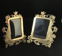 Pair of Art Nouveau Brass Figure Decorated Easel Photo Frames (2 of 4)