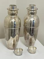 Pair of Decorative Art Deco Style Silver Snowmen Cocktail Shakers (22 of 42)
