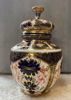 Royal Crown Derby Imari Pattern, 1128 Vase & Cover 1914