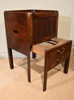 Late 18th Century Mahogany Bedside Cabinet (5 of 7)