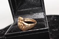9ct Gold Ring, size R, weighing 4.1g (5 of 5)