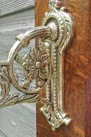Good Victorian William Tonks Aesthetic Movement Brass Dinner Gong with Oak Back Board c.1885 (6 of 7)