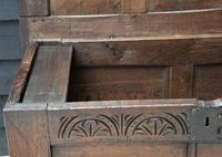 Handsome 17th Century Small Proportioned Oak Coffer Chest c.1680 (7 of 13)