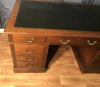 Edwardian Mahogany Pedestal Desk (3 of 5)