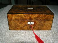 Antique Victorian Walnut Jewellery / Trinket Box, Mop, working lock & key (8 of 9)