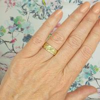 Vintage 9ct Solid Gold Engraved Wedding Band Dated London 1969~ Etched Ring (2 of 11)