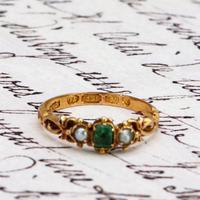The Antique 1868 Victorian 15ct Gold Emerald and Pearl Ring (4 of 5)