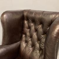Large Regency buttoned leather wing armchair (7 of 11)