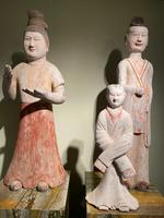 Very Elegant Han Figurine of a Courtly Lady (6 of 6)