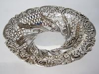 Charming Oval Victorian Silver Dish (2 of 5)