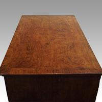 Queen Anne Walnut Chest of Drawers (7 of 11)
