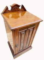 Good Quality Victorian Walnut Bedside Cabinet (3 of 5)