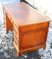 1960s Mahogany Pedestal Desk with Red Leather Top inset (2 of 4)