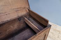 Mid 18th Century Oak Coffer (5 of 11)
