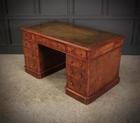 Exceptional Victorian Figured Walnut Desk (3 of 18)