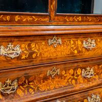 Marquetry Bombe Fronted Display Cabinet (3 of 14)