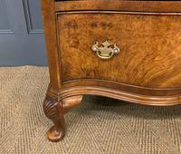 Waring & Gillow Burr Walnut Serpentine Chest of Drawers (11 of 15)