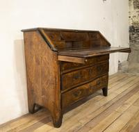18th Century Italian Piemonte Walnut Serpentine Bureau (10 of 14)