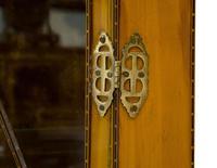 Fine Quality Edwardian Glazed Satinwood Corner Cabinet (5 of 5)