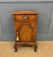 Queen Anne Style Burr Walnut Bedside Cupboard (3 of 10)