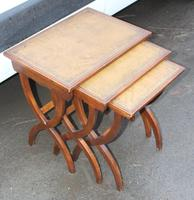 1960s Nest of 3 Mahogany Tables with Brown Leather Tops (3 of 6)