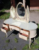 1960s White Dressing Table with Triple Mirror & Glass Top (3 of 4)