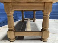 Good Looking Bleached Oak Farmhouse Dining Table (13 of 17)