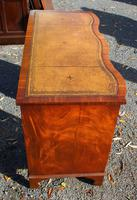 1960s Mahogany Serpentine Front Desk with Tan Leather Top (5 of 5)