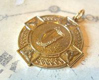Vintage Pocket Watch Chain Fob 1940s Large Golden Gilt Irish Harp Shield Fob Nos (3 of 8)